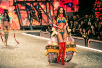 Victoria's Secret Fashion Show Paris 2016: Full Runway and Performances #20