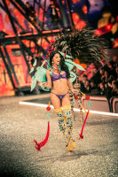 Victoria's Secret Fashion Show Paris 2016: Full Runway and Performances #23