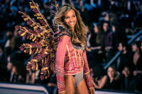 Victoria's Secret Fashion Show Paris 2016: Full Runway and Performances #48