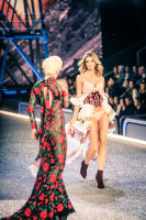 Victoria's Secret Fashion Show Paris 2016: Full Runway and Performances #103