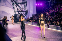 Victoria's Secret Fashion Show Paris 2016: Full Runway and Performances #214