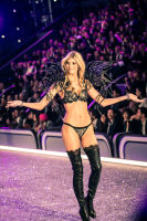 Victoria's Secret Fashion Show Paris 2016: Full Runway and Performances #222