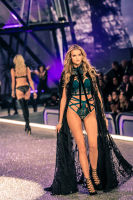 Victoria's Secret Fashion Show Paris 2016: Full Runway and Performances #226