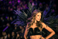 Victoria's Secret Fashion Show Paris 2016: Full Runway and Performances #235