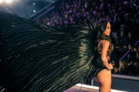 Victoria's Secret Fashion Show Paris 2016: Full Runway and Performances #246
