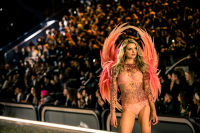 Victoria's Secret Fashion Show Paris 2016: Full Runway and Performances #273
