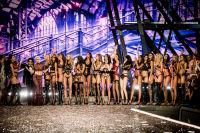 Victoria's Secret Fashion Show Paris 2016: Full Runway and Performances #314