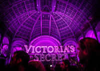 Victoria's Secret Fashion Show Paris 2016: Full Runway and Performances #325