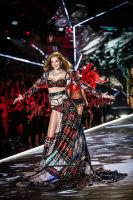 2018 Victoria's Secret Fashion Show #8