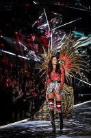 2018 Victoria's Secret Fashion Show #17