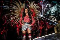 2018 Victoria's Secret Fashion Show #18