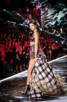 2018 Victoria's Secret Fashion Show #25