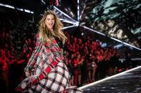 2018 Victoria's Secret Fashion Show #31