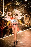 2018 Victoria's Secret Fashion Show #37