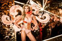 2018 Victoria's Secret Fashion Show #54