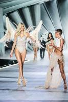 2018 Victoria's Secret Fashion Show #106