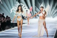 2018 Victoria's Secret Fashion Show #109