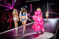 2018 Victoria's Secret Fashion Show #128