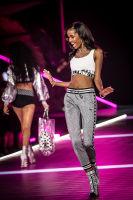 2018 Victoria's Secret Fashion Show #137