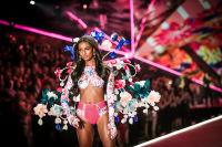 2018 Victoria's Secret Fashion Show #151