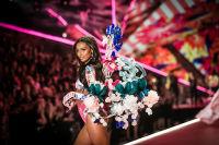 2018 Victoria's Secret Fashion Show #152