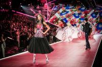 2018 Victoria's Secret Fashion Show #157