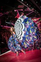 2018 Victoria's Secret Fashion Show #185