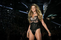 2018 Victoria's Secret Fashion Show #192