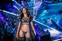 2018 Victoria's Secret Fashion Show #220
