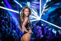 2018 Victoria's Secret Fashion Show #225