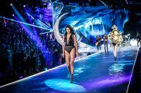 2018 Victoria's Secret Fashion Show #256