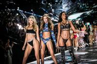 2018 Victoria's Secret Fashion Show #278