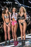 2018 Victoria's Secret Fashion Show #286