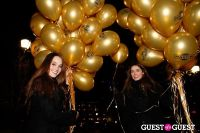 "MARTINI ""LET'S GO"" SPLASHING THE NYC SKY WITH GOLD BALLOONS #5"