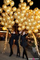 "MARTINI ""LET'S GO"" SPLASHING THE NYC SKY WITH GOLD BALLOONS #31"