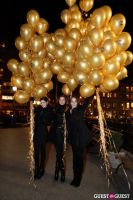 "MARTINI ""LET'S GO"" SPLASHING THE NYC SKY WITH GOLD BALLOONS #32"