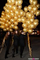 "MARTINI ""LET'S GO"" SPLASHING THE NYC SKY WITH GOLD BALLOONS #34"