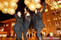 "MARTINI ""LET'S GO"" SPLASHING THE NYC SKY WITH GOLD BALLOONS #56"