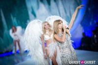 Victoria's Secret Fashion Show 2013 #394