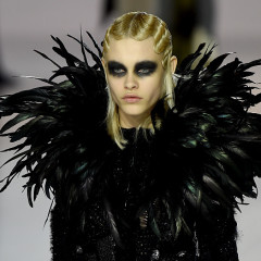 Victorian Goth Ruled At The Marc Jacobs Fall 2016 Show