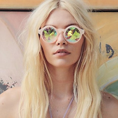 20 Reflective Sunglasses You Absolutely NEED This Spring