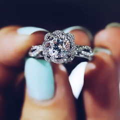 The Dos & Don'ts Of Buying An Engagement Ring