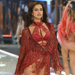 A Pregnant Model Just Walked In The Victoria's Secret Fashion Show