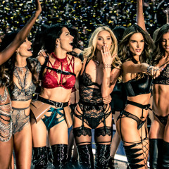 Your First Look At The Full 2016 Victoria's Secret Fashion Show In Paris