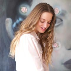 Finding Balance & Beauty With CómoComo's Fernanda De La Puente
