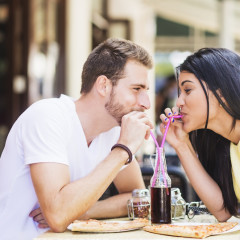 The 8 Dating Red Flags You Keep Missing