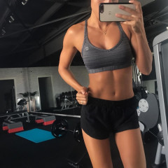 What Your Gym Selfie REALLY Means