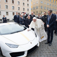 Is The New Popemobile A Lamborghini?