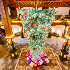 Upside Down Christmas Trees Are This Year's Big Holiday Trend