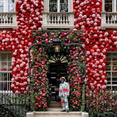 Scenes From A Magical London Neighborhood Bursting With Florals For Spring